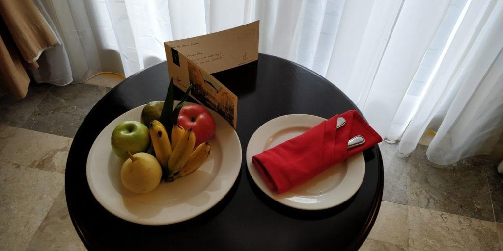 The Phoenix Hotel Yogyakarta Zimmer Willkommensgeschenk