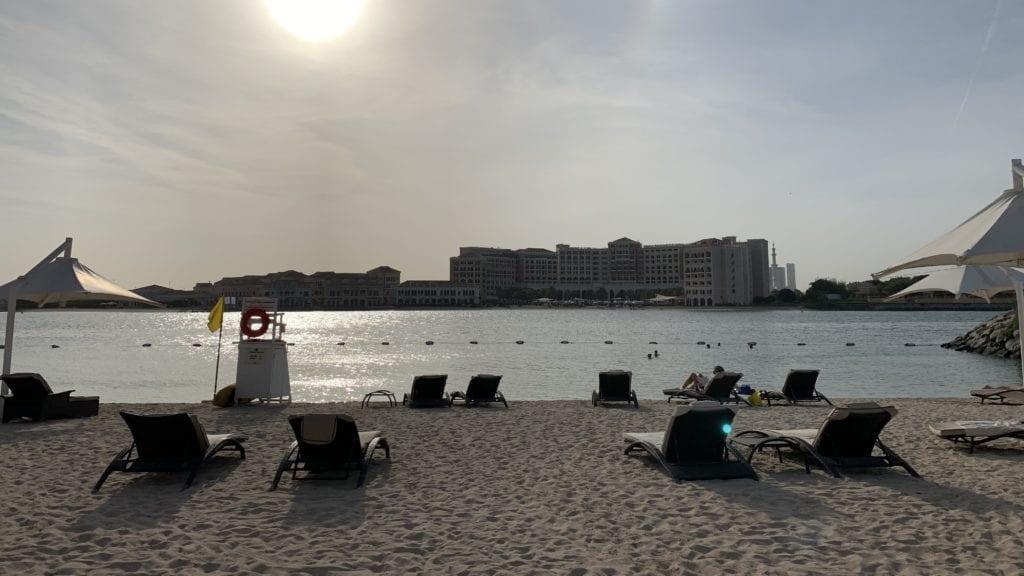Traders Hotel Abu Dhabi Strand3
