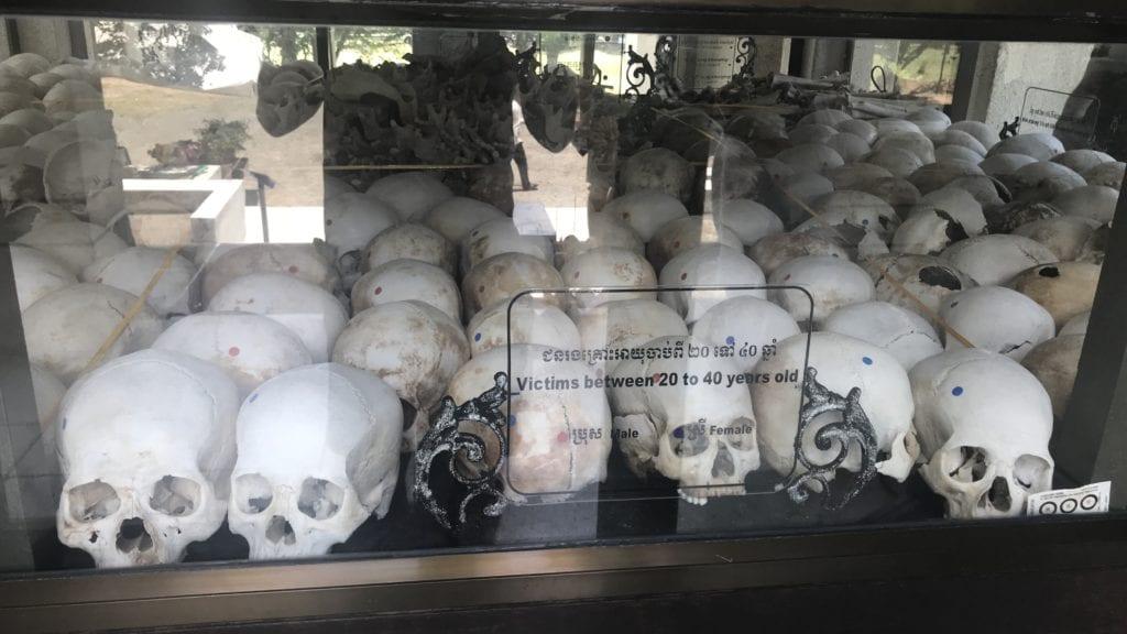 Cheoung Ek Killing Field Kambodscha Schädel 2