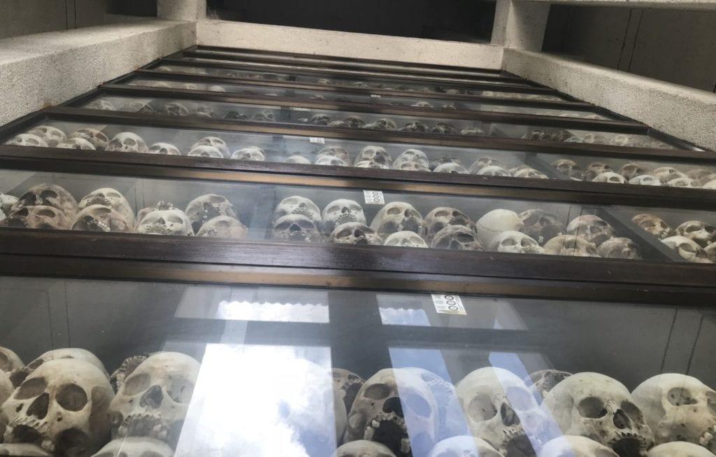 Cheoung Ek Killing Field Kambodscha Turm Nach Oben