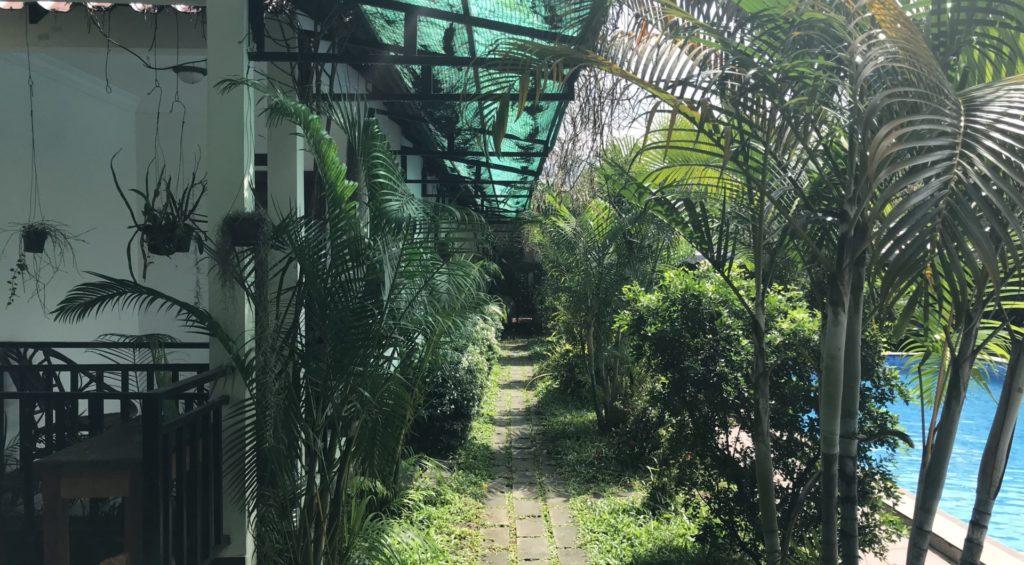 White Bach Bungalows Sihanoukville Weg