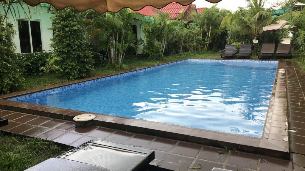 White Beach Bungalows Sihanoukville Pool