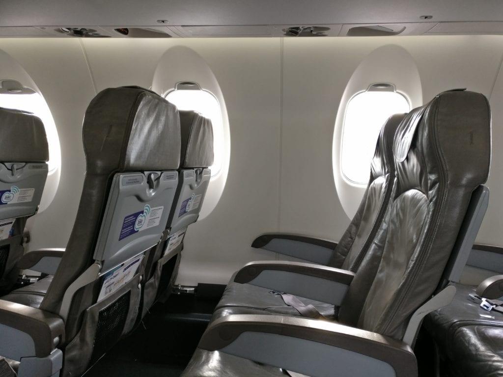 Adria Airways Economy Class Sitz