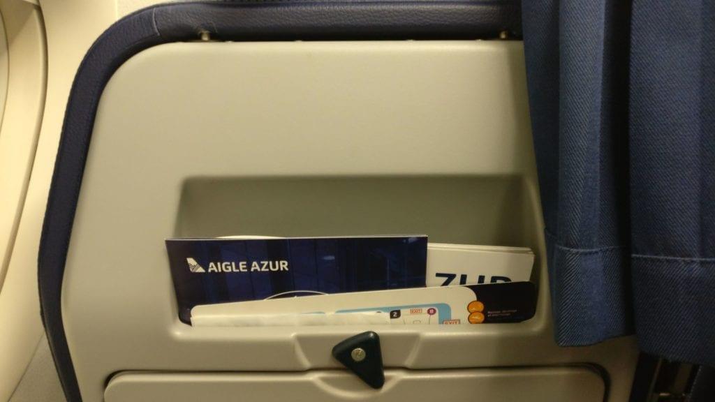 Aigle Azur Sitz 3