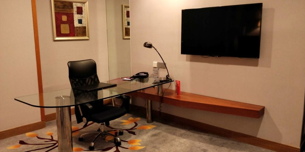 Crowne Plaza Ningbo City Center Deluxe Zimmer 3