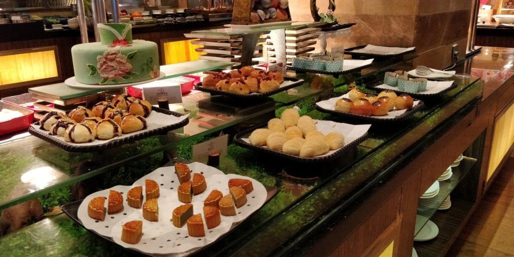 Crowne Plaza Ningbo City Center Frühstück 9