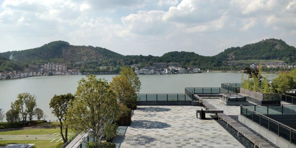 Hilton Ningbo Dongqian Lake Resort Lounge Ausblick