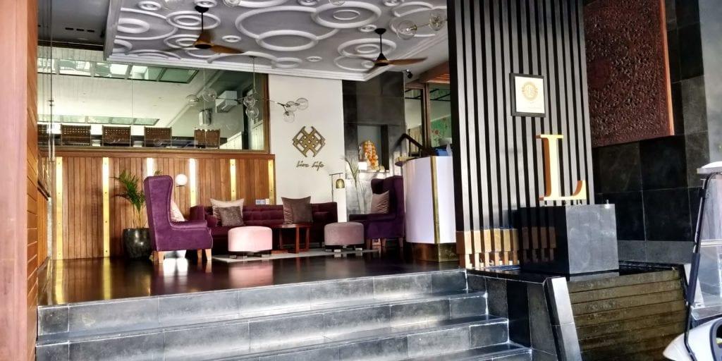 L Hotel Seminyak Eingang 2