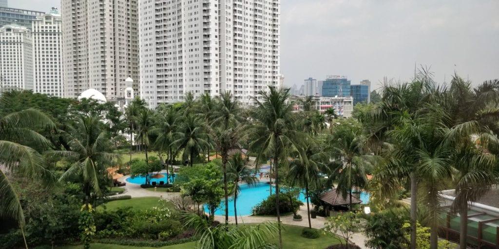 Shangri La Jakarta Pool 1