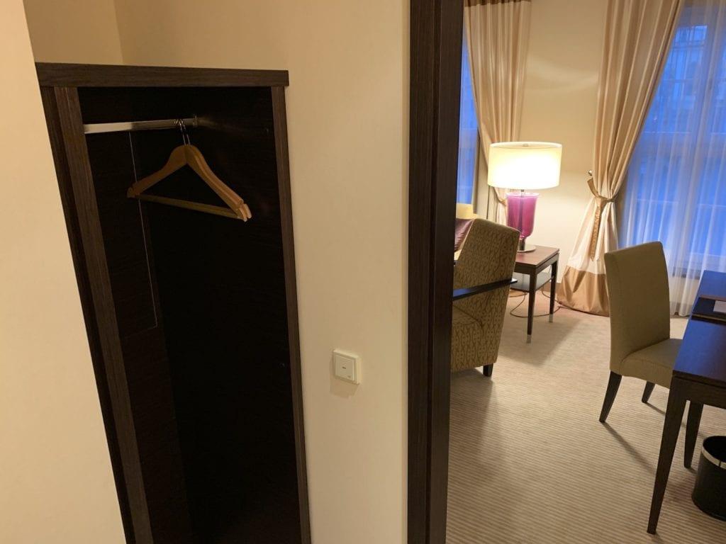 Steigenberger Hotel De Saxe Suite Eingangsbereich 2