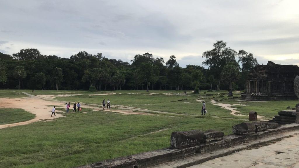 Angkor Wat Innen Grünfläche