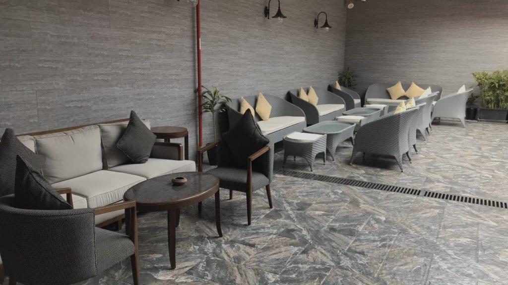Plaza Premium Lounge Siem Reap Terrasse 1