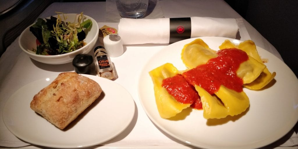 Air Canada Business Class Essen 1