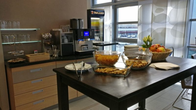 Berlin Airport Club Buffet