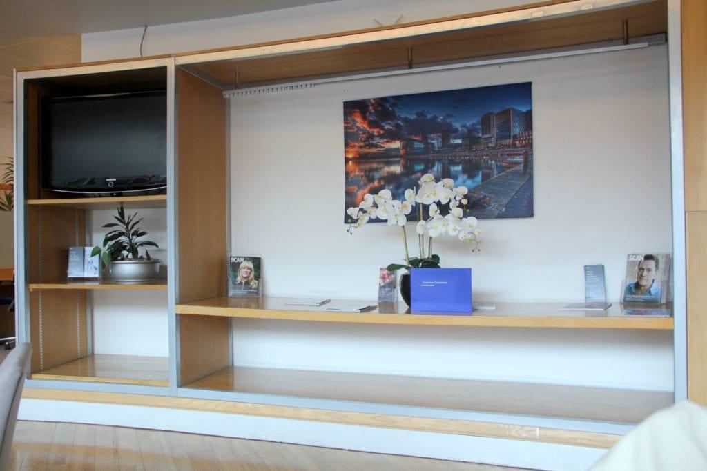 British Airways Lounge Manchester Fernseher