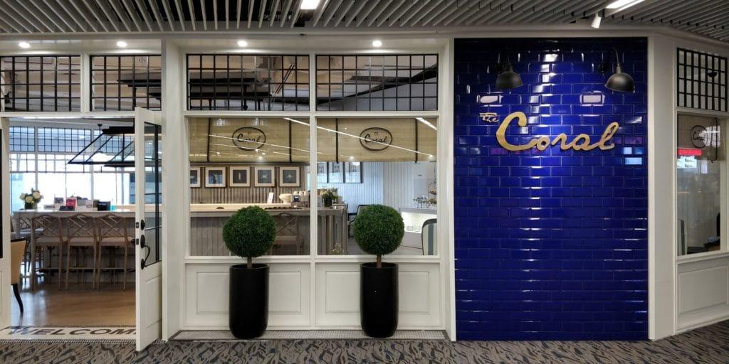 Coral Beach Lounge Phuket Eingang