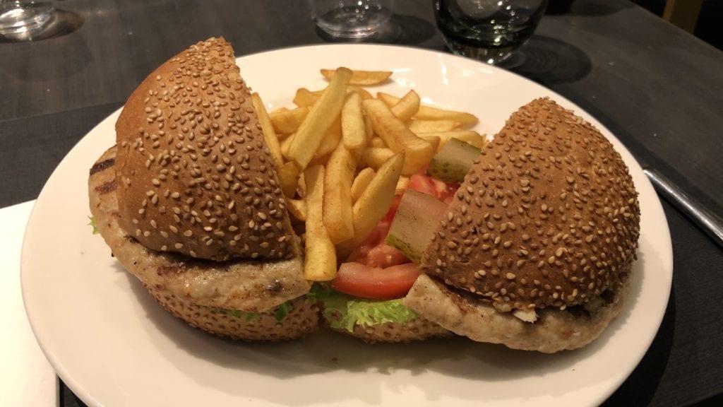 DoubleTree Istanbul Piyalepasa Essen 1