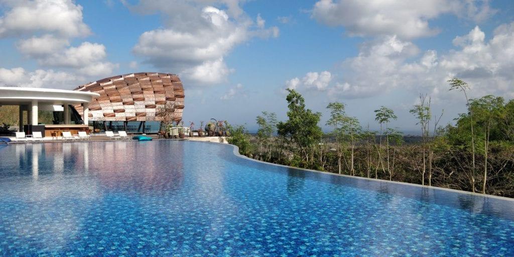 Renaissance Bali Uluwatu Pool 11
