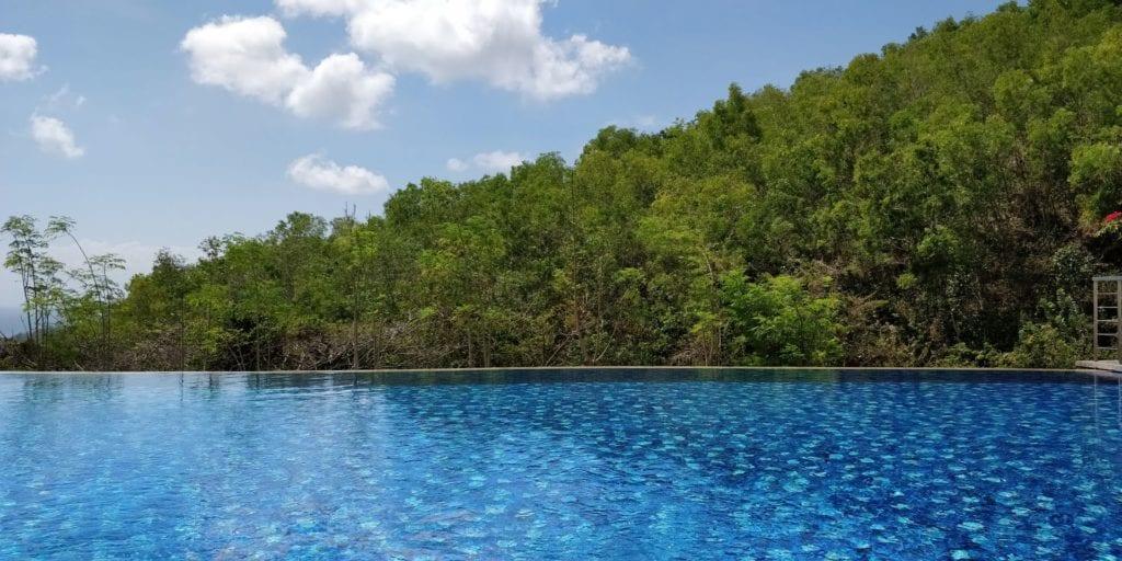 Renaissance Bali Uluwatu Pool 9