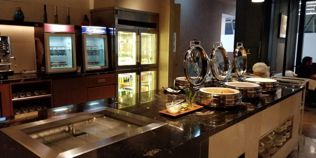 Singapore Airlines SilverKris Lounge Bangkok Essen 1