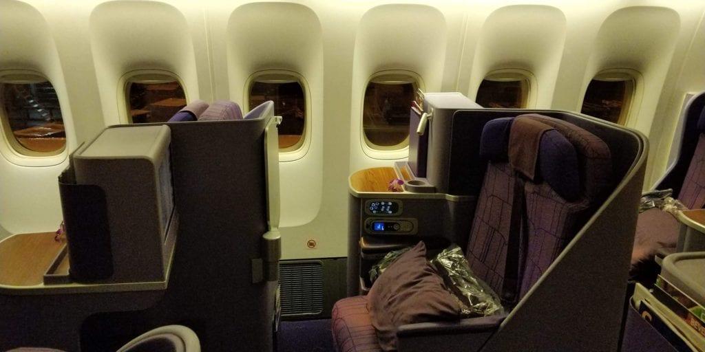 Thai Airways Business Class Boeing 777 Sitz 2