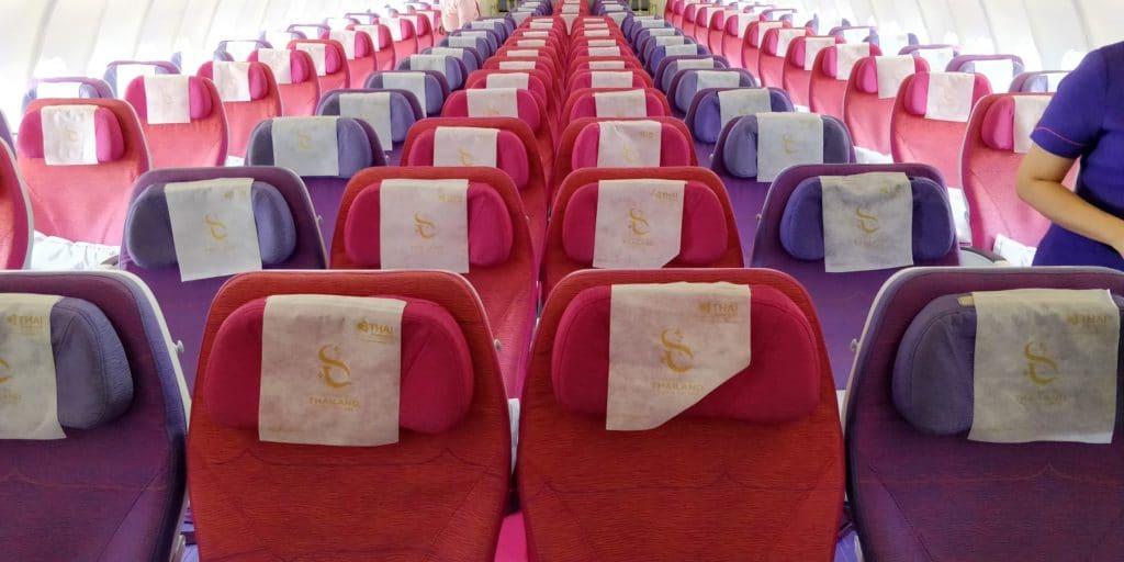 Thai Airways Economy Class Kurzstrecke Kabine