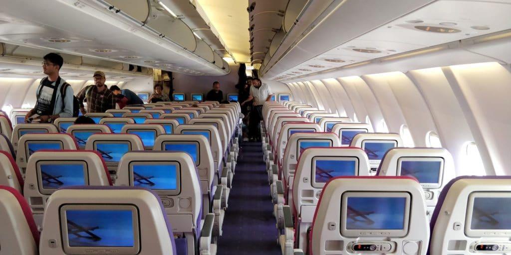 Thai Airways Economy Class Kurzstrecke Kabine 2