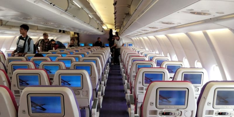 Thai Airways Economy Class Kurzstrecke Kabine 2