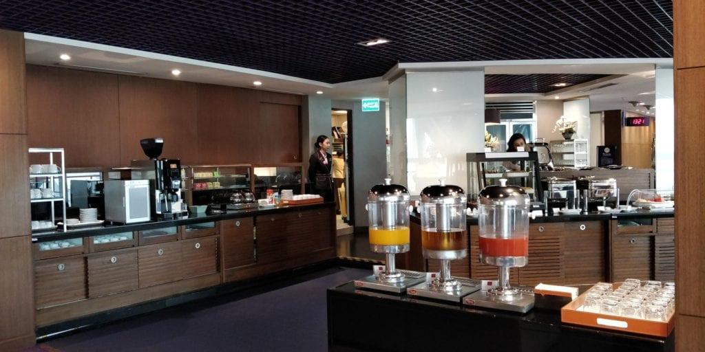 Thai Airways Royal Silk Lounge Bangkok Buffet 1