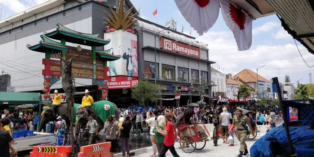 Yogyakarta Hauptstrasse Elefanten