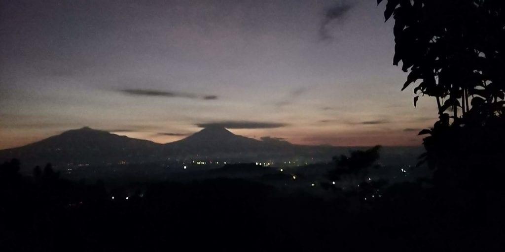 Yogyakarta Punthuk Setumbu Sonnenaufgang 1