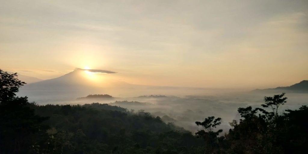 Yogyakarta Punthuk Setumbu Sonnenaufgang 2