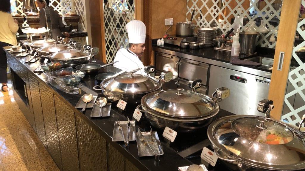 Mandarin Oriental Kuala Lumpur Club Lounge Frühstück Warme Speisen