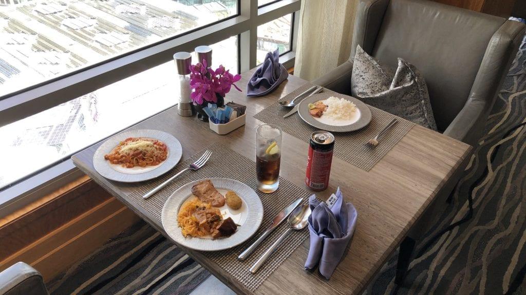 Mandarin Oriental Kuala Lumpur Club Lounge Mittagessen