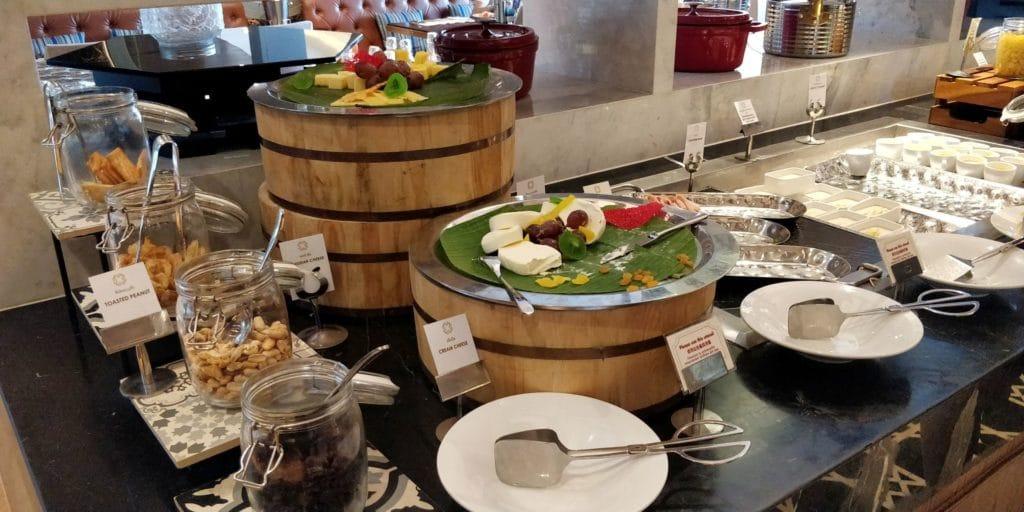 Avista Phuket Grande Karon Frühstück 3
