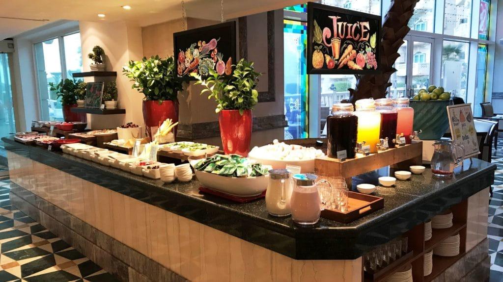 Grand Hyatt Muscat Frühstück