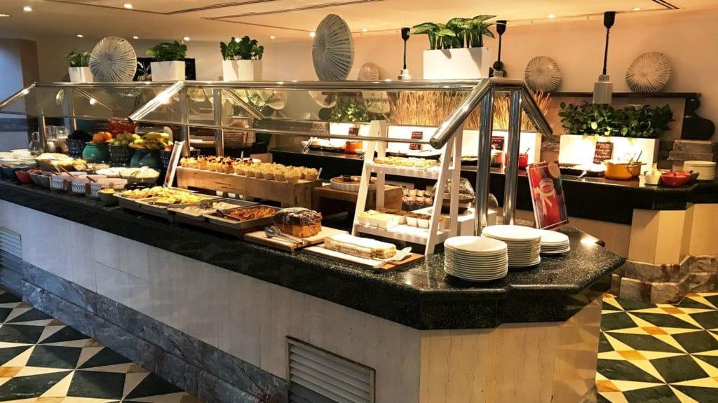 Grand Hyatt Muscat Frühstück 5