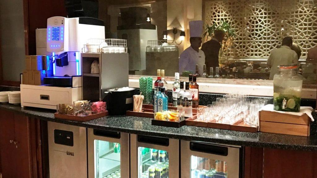 Grand Hyatt Muscat Lounge 6