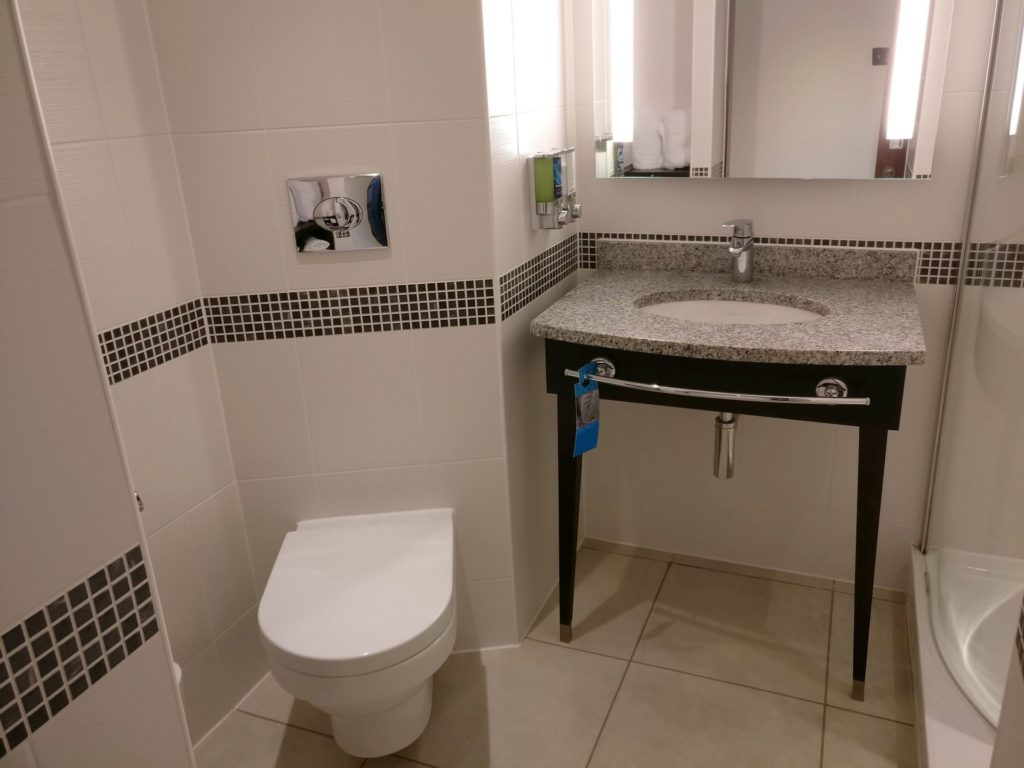 Hampton By Hilton Exeter Airport Bad 3