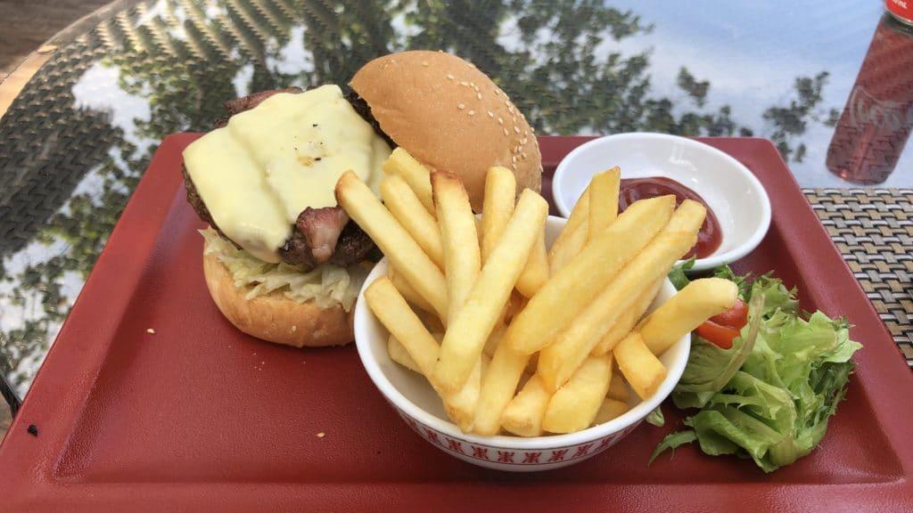 Shangri La Rasa Sayang Resort Pengang Burger Am Pool