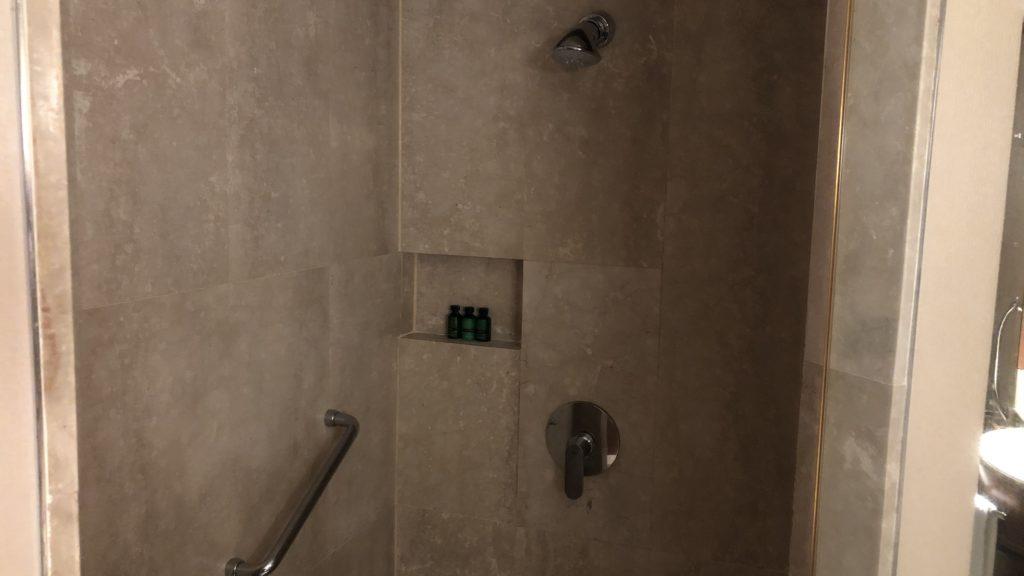 Shangri La Rasa Sayang Resort Pengang Dusche