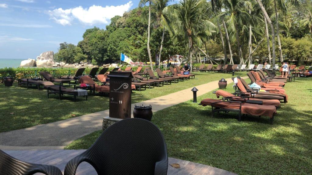 Shangri La Rasa Sayang Resort Pengang Liegen Am Pool
