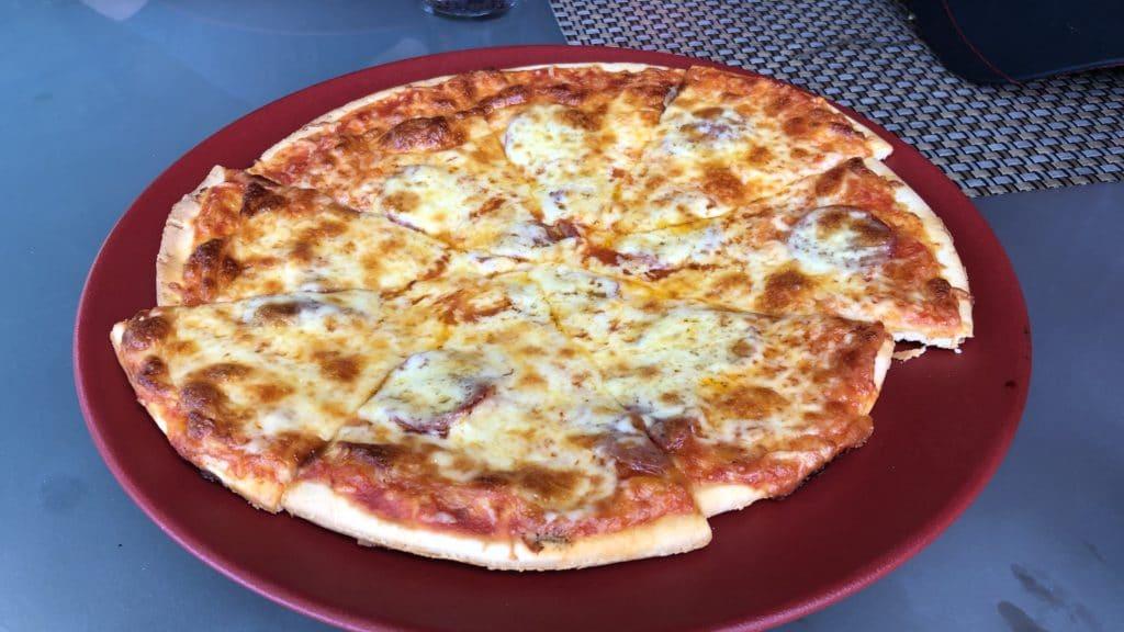 Shangri La Rasa Sayang Resort Pengang Pizza Am Pool