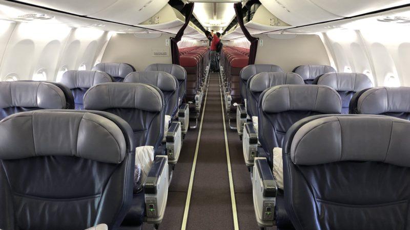 Malaysia Airlines Business Class Kurzstrecke Boeing 737 Kabine 3