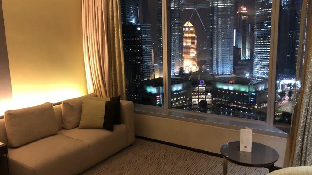 Traders Hotel Kuala Lumpur Zimmer Sofa