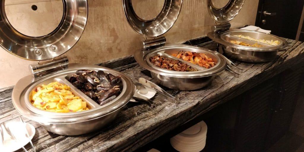 Crowne Plaza Shanghai Xiayang Lake Lounge Abendessen