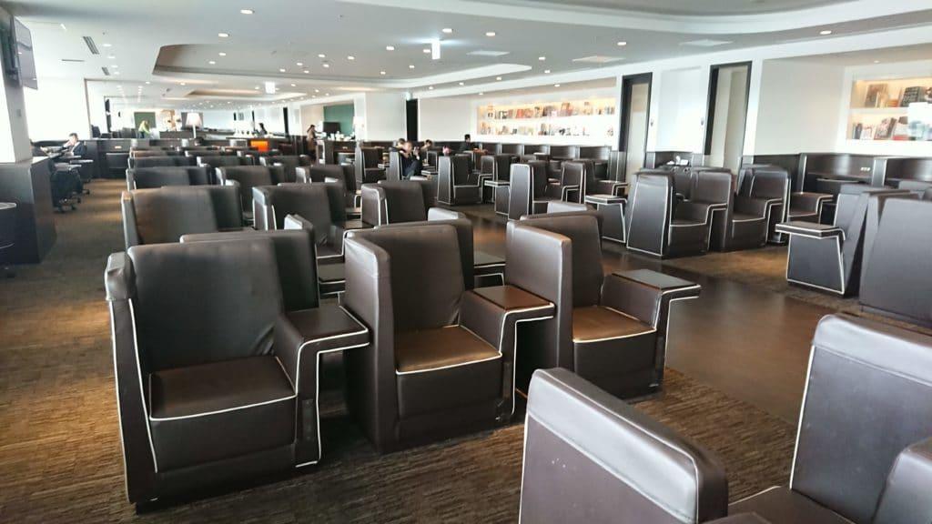 JAL Sakura Lounge Domestic Haneda oneworld Sapphire emerald