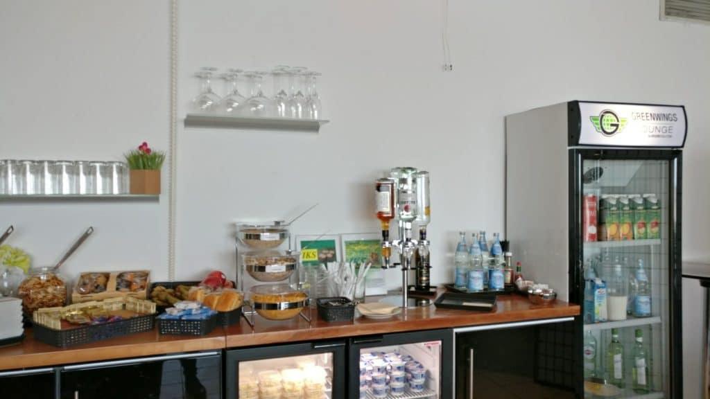 Greenwings Lounge Berlin Schönefeld Buffet 2