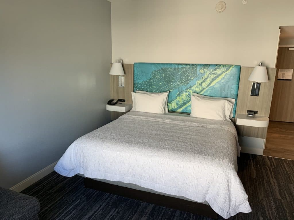 Hampton Inn Miami Airport Zimmer Bett