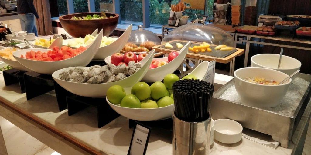 Hilton Shanghai Hongqiao Lounge Frühstück